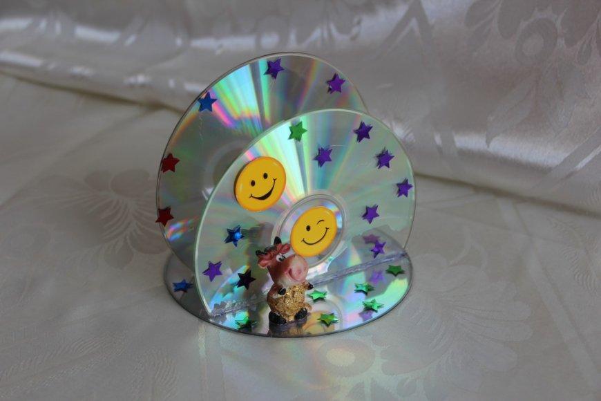 Уникальные поделки из дисков своими руками — интересные идеи, пошаговые мастер-классы, фото примеры