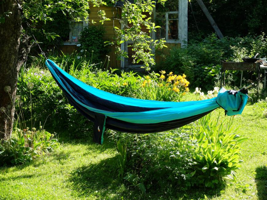 Гамак для дачи — уникальные советы и фото идеи для дачных подвесных кроватей