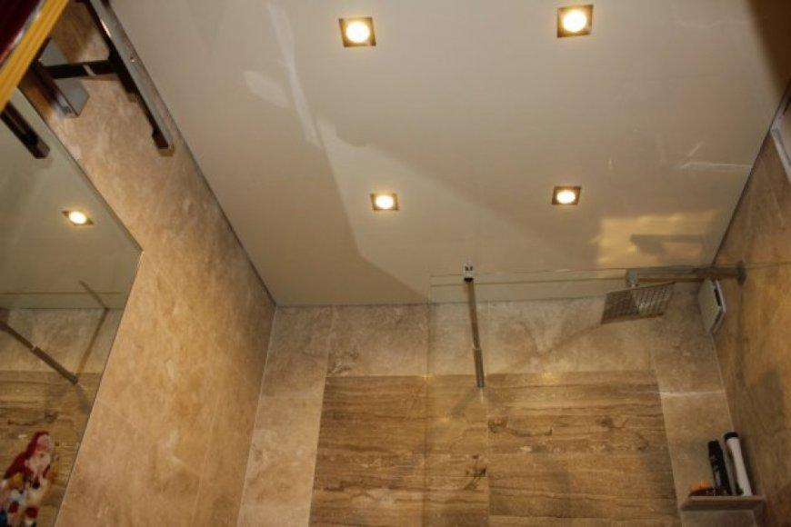 Подвесные потолки в ванной — свежая фото подборка