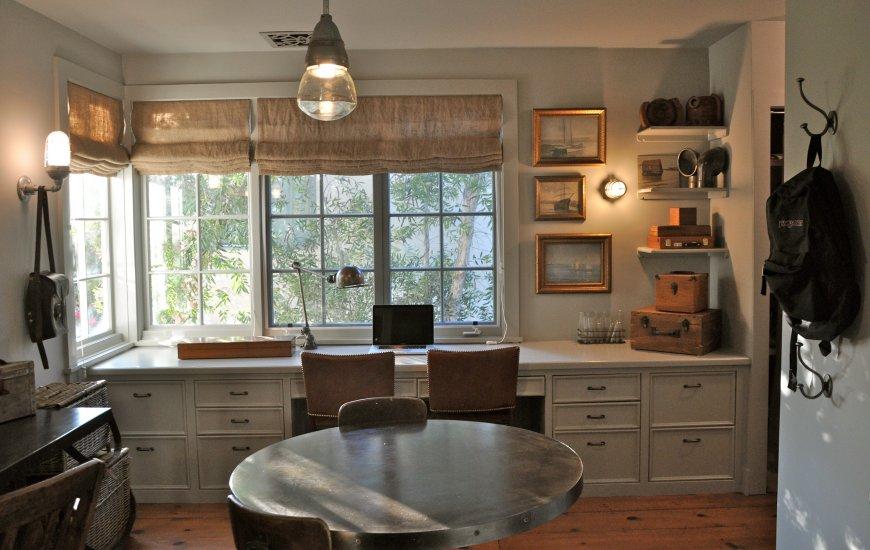 Стильные кухонные шторы — выбор типа, цвета, последние тренды и свежие фото идеи