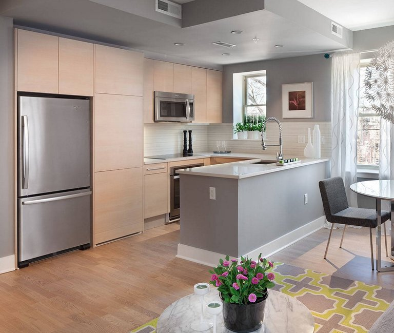 Идеи дизайна совмещенной кухни — гостиной в современном стиле