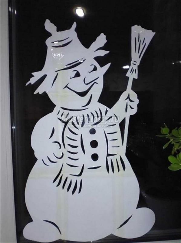 Вытынанка снеговик